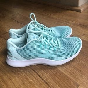 Adorable mint green Nike sneakers!